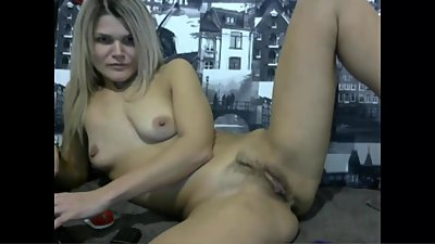 Blonde Camgirl Angie Masturbating Huge..