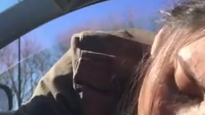 Thot getting deepthroat in the car