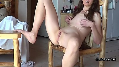 Noisy orgasm on my kitchen chair
