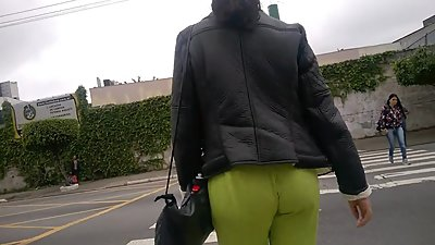 SDRUWS2 - YELLOW SEE THROUGH PANTS ON..