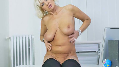 Euro gilf Roxana is your pantyless..