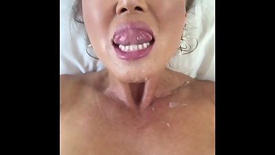 Kianna Dior loves eating cum