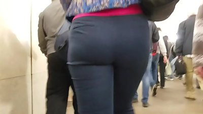 Medium ass from back side
